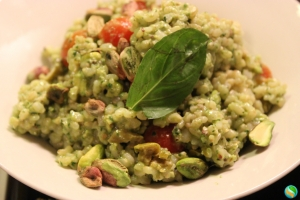 Creamy Pistachio Pesto with Brown Rice